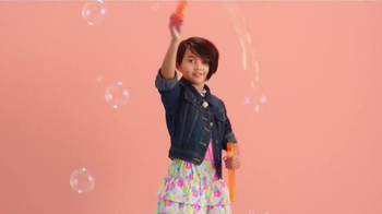 Target TV Spot, 'What's Poppin', TargetStyle' Song by DJ Cassidy - Thumbnail 3