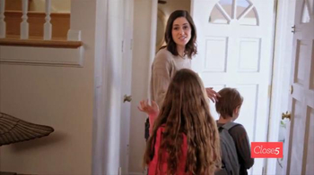 Close5 TV Spot, 'Helping Super Moms Clear the Clutter' - Thumbnail 3