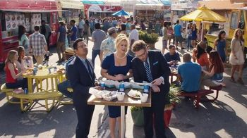 Bud Light TV Spot,'Food Truck' Ft. Seth Rogen, Amy Schumer and Michael Pena - Thumbnail 10