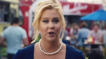 Bud Light TV Spot,'Food Truck' Ft. Seth Rogen, Amy Schumer and Michael Pena - Thumbnail 4