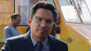 Bud Light TV Spot,'Food Truck' Ft. Seth Rogen, Amy Schumer and Michael Pena - Thumbnail 6