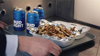 Bud Light TV Spot,'Food Truck' Ft. Seth Rogen, Amy Schumer and Michael Pena - Thumbnail 7