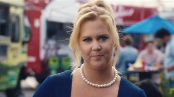 Bud Light TV Spot,'Food Truck' Ft. Seth Rogen, Amy Schumer and Michael Pena - Thumbnail 9
