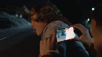 Samsung Galaxy S7 Edge TV Spot, 'The Dark' - Thumbnail 7