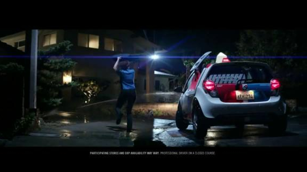 Domino's DXP TV Commercial, 'Extra Mile'
