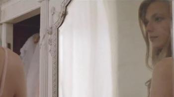 EOS TV Spot, 'Delightfully Soft Skin!' Song by Vanessa Carlton - Thumbnail 1