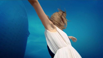 Venus Swirl TV Spot, 'Choose Flawless Skin' - Thumbnail 8