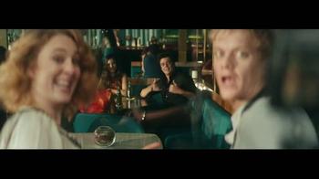 Heineken TV Spot, 'Famous' Featuring Benicio del Toro - Thumbnail 5