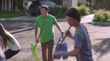 Walmart TV Spot, 'Lend a Helping Hand' - Thumbnail 8