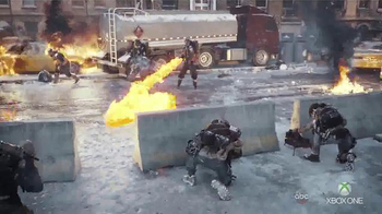 Tom Clancy's The Division TV Spot, 'When Society Falls' - Thumbnail 6