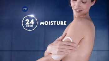 Nivea In-Shower Body Lotion  TV Spot, 'Fast Absorbing Moisturizer' - Thumbnail 6