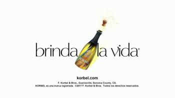 Korbel TV Spot, 'Univision: destapa un nuevo nivel' [Spanish] - Thumbnail 5