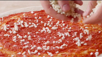 Papa John's Heart-Shaped Pizza TV Spot, 'Valentine's Day Surprises' - Thumbnail 10