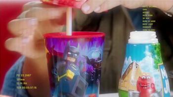McDonald's Happy Meal TV Spot, 'The LEGO Batman Movie' [Spanish] - Thumbnail 4