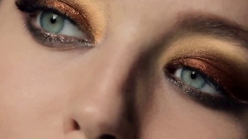 Maybelline New York 24k Nudes Palette TV Spot, 'Dare to Go Nude' - Thumbnail 5