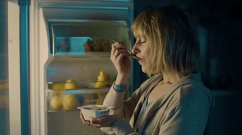 Fage Crossovers Coconut With Dark Chocolate TV Spot, 'Wake Up' - Thumbnail 4