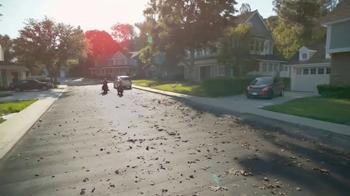 GEICO Motorcycle TV Spot, 'Neighborhood: Modern Text' - Thumbnail 9