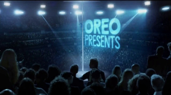 Oreo Dunk Challenge TV Spot, 'Shaquille O'Neal's Acrobat Skills' - Thumbnail 1