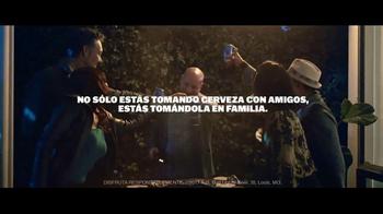 Bud Light TV Spot, 'Tus amigos se convierten en familia' [Spanish] - Thumbnail 8