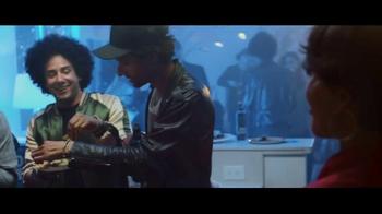 Bud Light TV Spot, 'Tus amigos se convierten en familia' [Spanish] - Thumbnail 2