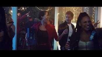 Bud Light TV Spot, 'Tus amigos se convierten en familia' [Spanish]