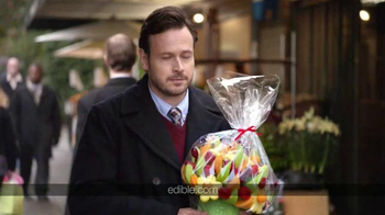 Edible Arrangements TV Spot, 'Thanksgiving' - Thumbnail 3