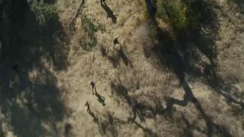 Fitbit Charge HR TV Spot, 'AMC: The Walking Dead' - Thumbnail 3