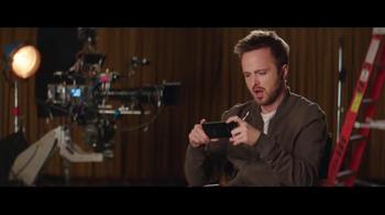 T-Mobile Binge On TV Spot, 'El uso de datos' con Aaron Paul [Spanish] - Thumbnail 3