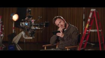 T-Mobile Binge On TV Spot, 'El uso de datos' con Aaron Paul [Spanish] - Thumbnail 5
