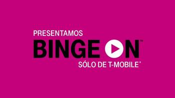 T-Mobile Binge On TV Spot, 'El uso de datos' con Aaron Paul [Spanish] - Thumbnail 7
