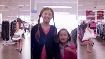 Burlington Coat Factory TV Spot, 'La Familia Mercado' [Spanish] - Thumbnail 4