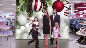 Burlington Coat Factory TV Spot, 'La Familia Mercado' [Spanish] - Thumbnail 7