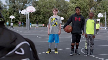 Kids Foot Locker TV Spot, 'Just Like the Pros' Featuring Stephen Curry - Thumbnail 3