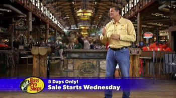 Bass Pro Shops Thanksgiving 5-Day Sale TV Spot, 'Rain Gear and Hoodies' - Thumbnail 8