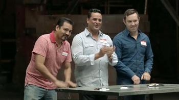 Chevrolet Silverado TV Spot, 'Mejor en su clase: Portones' [Spanish] - Thumbnail 10