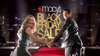 Macy's Black Friday Sale TV Spot, 'Thanksgiving Doorbusters' - Thumbnail 7
