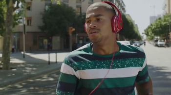 JBL Wireless Headphones TV Spot, 'Don't Let Wires Ruin Your Day'