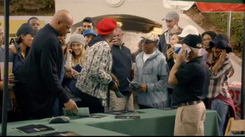 Capital One TV Spot, 'Bowl Mania: Separated' Featuring Samuel L. Jackson - Thumbnail 4
