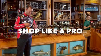 Bass Pro Shops Thanksgiving 5-Day Sale TV Spot, 'Flashlights and Boots' - Thumbnail 3