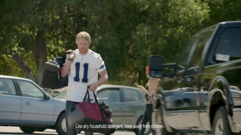 Tide Pods TV Spot, 'Small but Powerful' Featuring Cole Beasley - Thumbnail 8