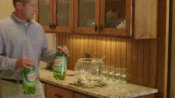 Canada Dry Gingerale TV Spot, 'Food Network: Cranberry Punch' - Thumbnail 4