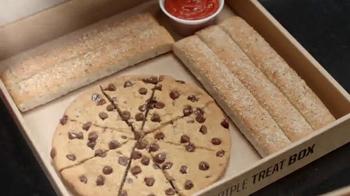 Pizza Hut Triple Treat Box TV Spot, 'Holiday' Featuring Michael Bolton - Thumbnail 3