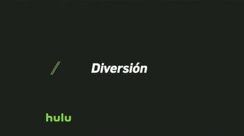 Hulu TV Spot, 'Tele con nosotros' canción de Bomba Estéreo [Spanish] - Thumbnail 7