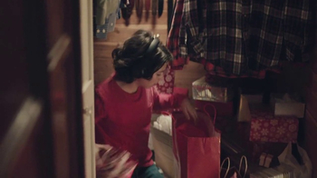 Verizon TV Spot, 'Holiday Playtime: Best Smartphones Free' - Thumbnail 4