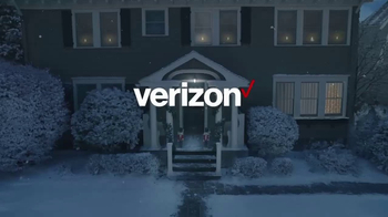 Verizon TV Spot, 'Holiday Wrapping: Best Smartphones Free' - Thumbnail 1