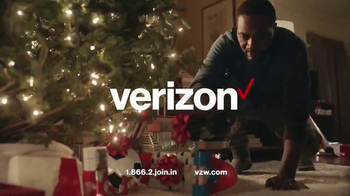 Verizon TV Spot, 'Holiday Wrapping: Best Smartphones Free' - Thumbnail 10