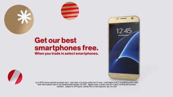 Verizon TV Spot, 'Holiday Wrapping: Best Smartphones Free' - Thumbnail 7