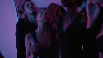 Calvin Klein Deep Euphoria TV Spot, 'In the Zone: Gift' Feat. Margot Robbie - Thumbnail 3