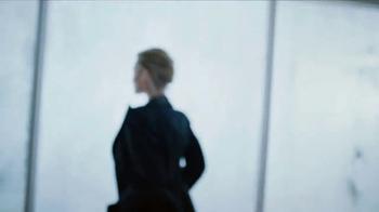 Calvin Klein Deep Euphoria TV Spot, 'In the Zone: Gift' Feat. Margot Robbie - Thumbnail 4