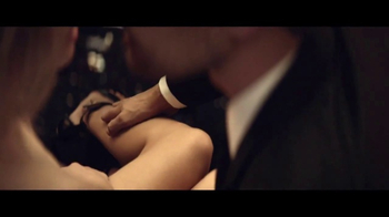 Hugo Boss: The Scent TV Spot, 'Closer' Ft. Theo James, Song by The Weeknd - Thumbnail 6
